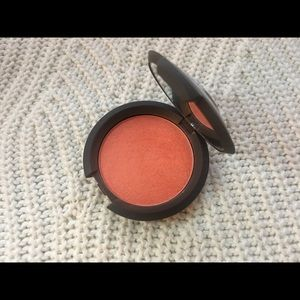Becca, luminous blush in Tigerlily, limited ed